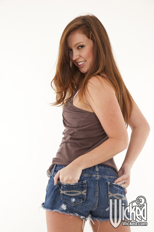Maddy O'Reilly Gets Horny